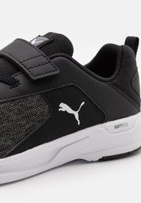 Puma - COMET 2 ALT UNISEX - Neutral running shoes - black/white - 5
