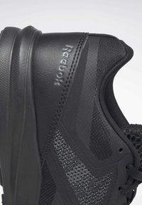 Reebok - REEBOK RUNNER 4.0 SHOES - Neutral running shoes - black - 10