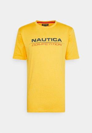 VANG - Print T-shirt - yellow