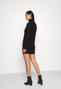 Missguided - ROLL NECK BASIC DRESS - Pletené šaty - black - 2