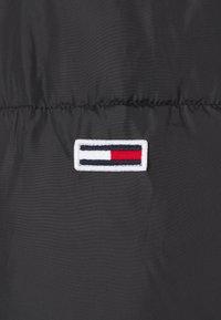 Tommy Jeans - BELTED PUFFER - Veste d'hiver - black - 8