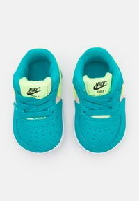 Nike Sportswear - FORCE 1 CRIB - Baby shoes - oracle aqua/ghost green/washed coral/white - 3