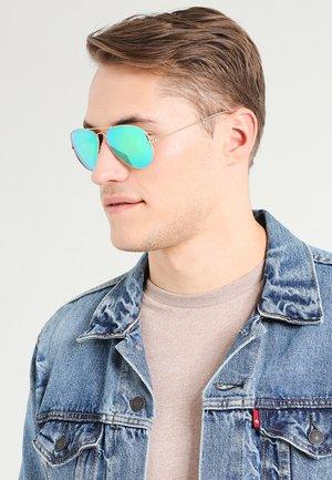 AVIATOR - Sunglasses - goldfarben/grün