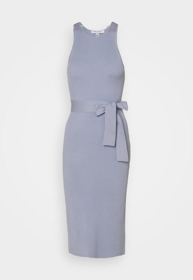 IVY RACE COLUMN MIDI DRESS - Etui-jurk - eggshell blue