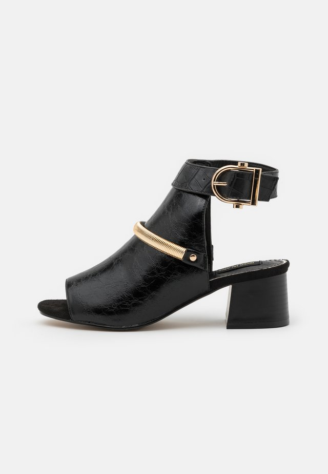 WIDE FIT BLOCK - Ankle cuff sandals - black