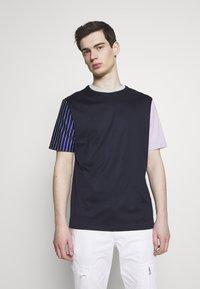 Paul Smith - GENTS OVERSIZE STRIPED SLEEVE - T-shirt imprimé - dark blue - 0