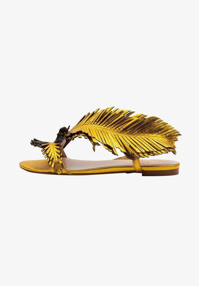 POLY - Sandały - żółty