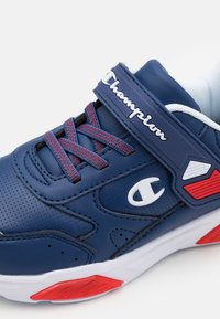 Champion - LOW CUT SHOE WAVE UNISEX - Sports shoes - royal blue - 5