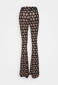 Stieglitz - LOUIE FLARES - Pantalon classique - multi - 1