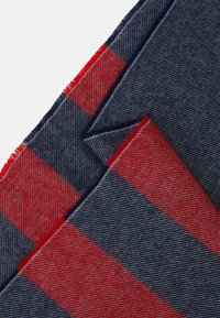 Johnstons of Elgin - Scarf - red - 2