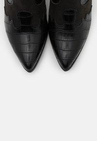Vero Moda - VMFALIA - Ankle boots - black - 5