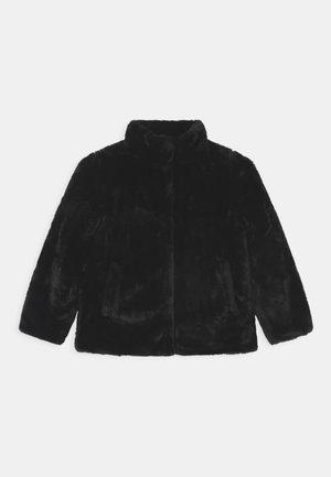 NKFMALSI CAMP - Zimní bunda - black