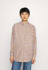 Marc O'Polo DENIM - BLOUSE LONGSLEEVE FLAP POCKET - Button-down blouse - multi/milky coffee - 0