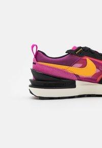 Nike Sportswear - WAFFLE ONE  - Zapatillas - active fuchsia/university gold/black/coconut milk - 5