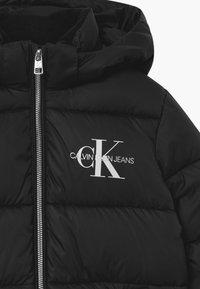 Calvin Klein Jeans - ESSENTIAL PUFFER  - Zimní bunda - black - 4