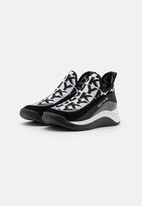 DKNY - FELISEE - Slip-ons - white/black - 2