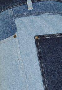 Karl Kani - RINSE BLOCK PANTS - Relaxed fit -farkut - blue - 3