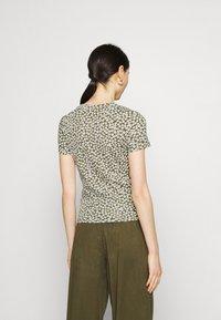 Monki - Print T-shirt - multicolor - 2