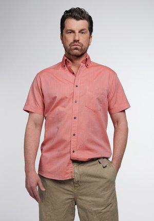 REGULAR FIT - Skjorter - orangerot