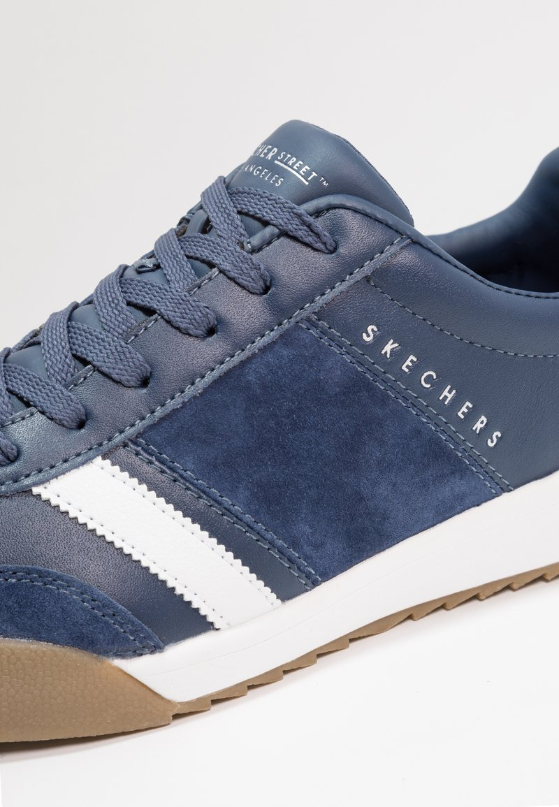 Bergantín Controversia esquema  Skechers ZINGER SCOBIE - Trainers - navy/blue - Zalando.ie
