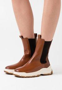 Marc O'Polo - MAIA - Platform ankle boots - cognac - 0