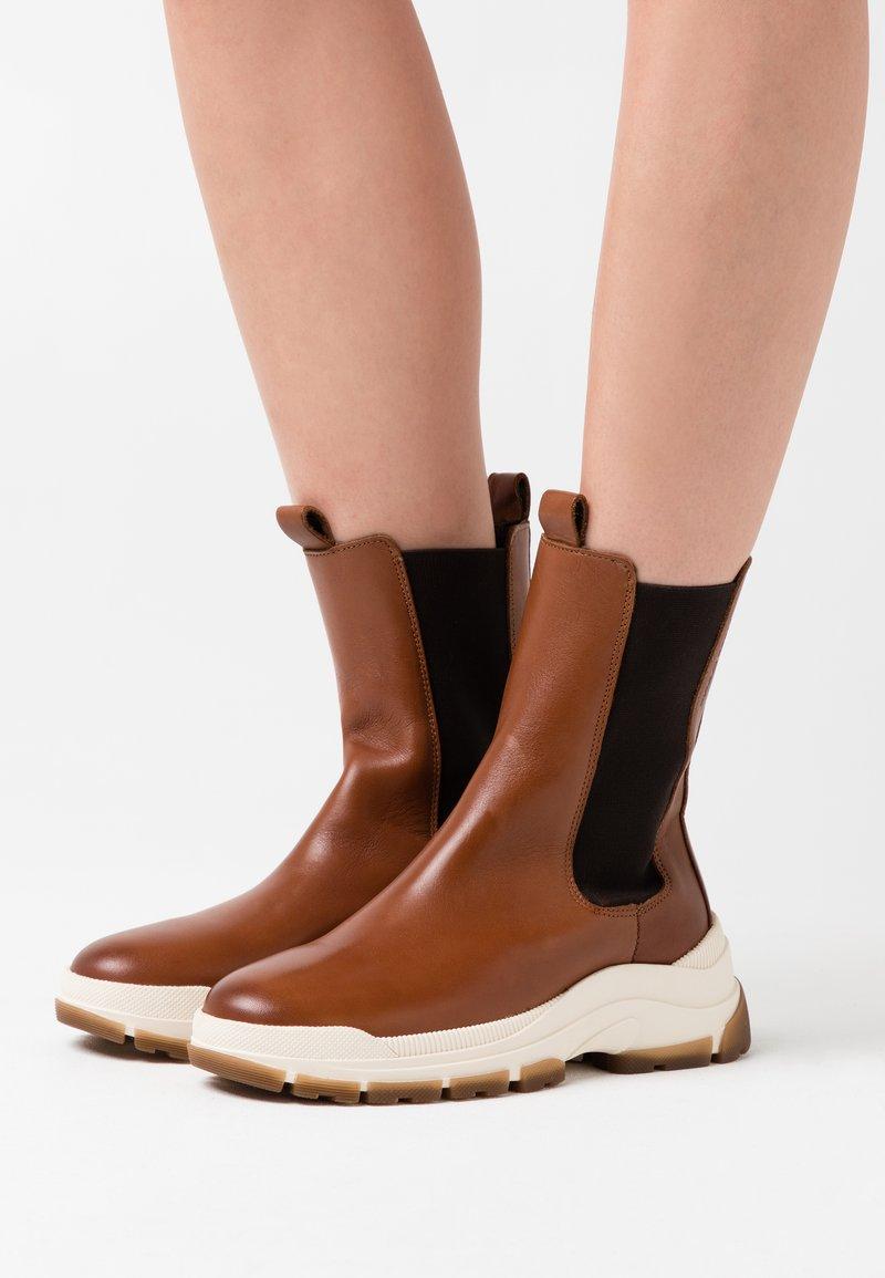 Marc O'Polo - MAIA - Platform ankle boots - cognac