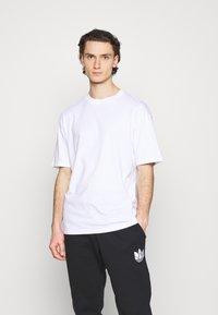 Jack & Jones - JORBRINK CREW NECK - T-shirt basique - white - 0