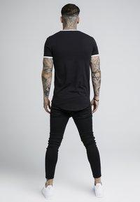 SIKSILK - TAPE SHOULDER GYM TEE - T-shirt imprimé - black - 2
