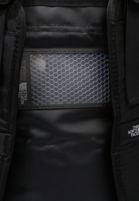 The North Face - BASE CAMP DUFFEL XS UNISEX - Sportstasker - black - 8