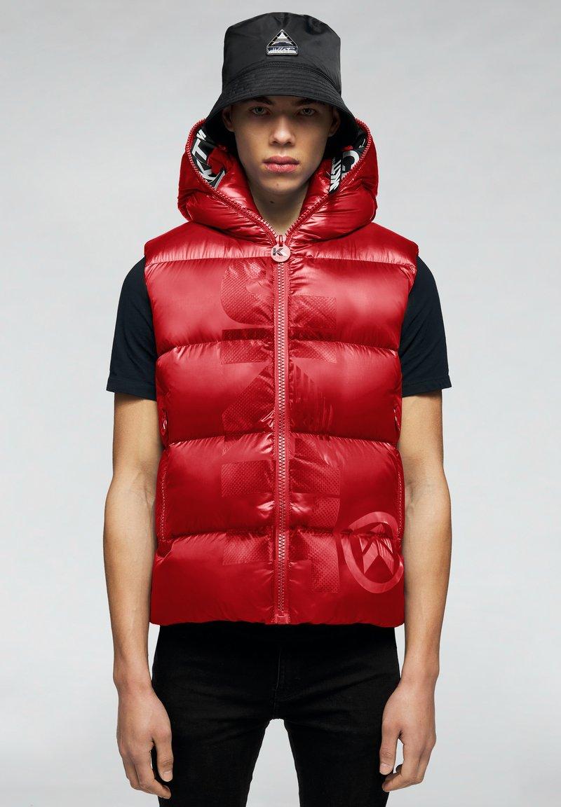 JACK1T - PRIME SLICK - Waistcoat - cherry red
