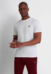 Lyle & Scott - MARTIN  - Basic T-shirt - white - 0