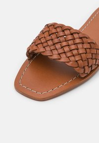 Loeffler Randall - JOEY - Pantofle - timber - 6