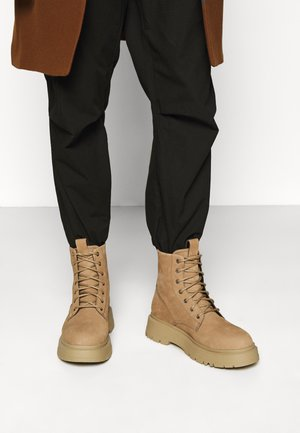 JEFF - Lace-up ankle boots - warm sand