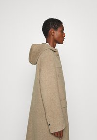 Oakwood - ARIZONA REVERSIBLE - Zimní kabát - beige/grey - 4