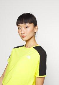 The North Face - W ACTIVE TRAIL - Print T-shirt - lemon - 3