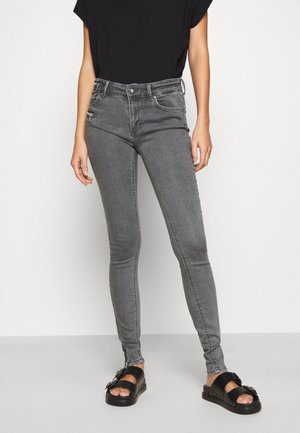 ONLCARMEN LIFE ZIP - Vaqueros pitillo - grey denim