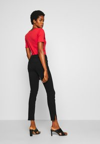 Noisy May - NMKIMMY NW SKINNY SLIT - Skinny džíny - black denim - 2