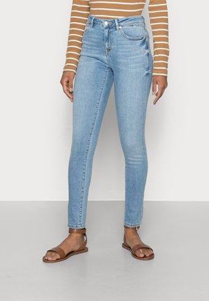 MEDIUM RISE - Jeans Skinny Fit - blue light wash