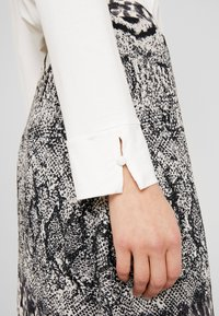 Esprit Collection - Long sleeved top - off white - 3