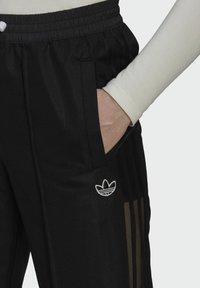adidas Originals - WIDE-LEG JOGGERS - Joggebukse - black - 3
