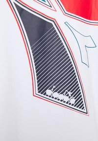 Diadora - FREGIO CLUB - Print T-shirt - optical white - 2