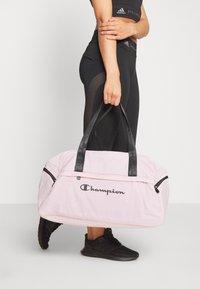 Champion - BAG - Sportovní taška - pink - 1