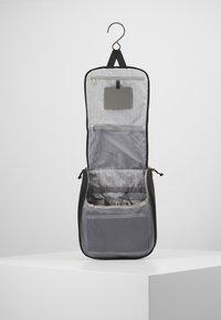 Deuter - WASH CENTER II - Wash bag - black - 5