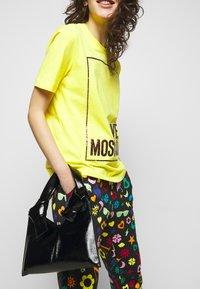 Love Moschino - Jogginghose - multicolor - 3