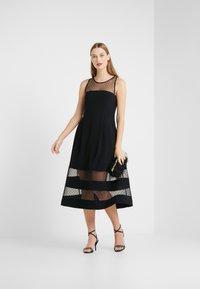 RIANI - Vestido de cóctel - black - 1