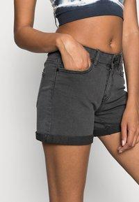 Noisy May - NMBE LUCY FOLD - Denim shorts - dark grey denim - 4