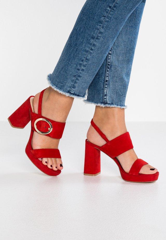Sandalen met hoge hak - rosso