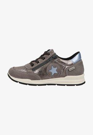 Sneakers laag - mittelgrau