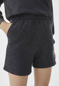 PULL&BEAR - Shorts - mottled dark grey - 4