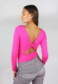 blonde gone rogue - WITH TWISTED BACK - Long sleeved top - pink - 2